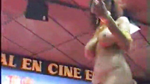उसके भूरे रंग के बाल पैसे प्राप्त करने के सेक्सी मूवी वीडियो हिंदी में बाद नाटकीय रूप से बदल