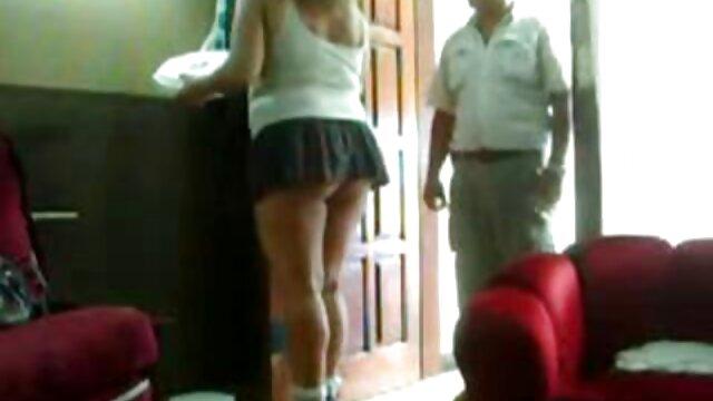 एक जवान लड़की मैं बिस्तर हिंदी सेक्स वीडियो मूवी एचडी पर उसके साथ यौन संबंध था कि एक व्यक्ति को सुझाव दिया,